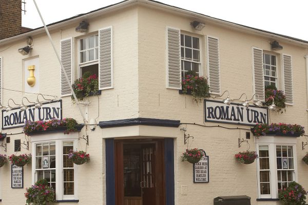 the-roman-urn-banner